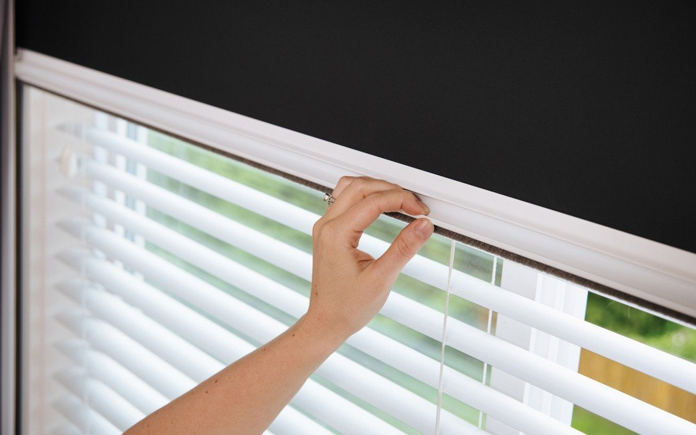 easy cleaning screens and windows
